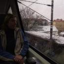 Za uplakaného počasí vyjíždíme vláčkem z Prahy