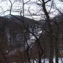 Výhled z hradu do údolí Karlického potoka