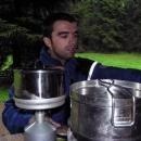 Pavel připravuje čaj...