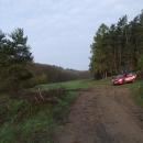Naše nocležiště na paloučku u lesa