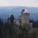 Z Pustého hrádku je jeden z nejhezčích pohledů na Kašperk