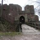 Vstupní brána do hradu Litice