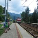 A pak už nám jel z Nezbudské Lúčky vlak a jen jsme nasedli do vagónu, začaly se nad Fatrou stahovat mraky, a blýskat se a hřmět. Bylo to jen tak tak!