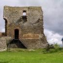 Ze zdiva Krakovce stojí nemálo domů ve vsi, škoda