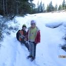Není to ale čerstvý sníh, tenhle tady leží celou zimu a je ho odhadem určitě půl metru.