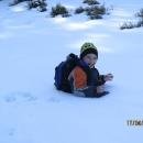 Najednou je Víťa po pás ve sněhu – z jámy ho musím tahat jako řepu v pohádce.