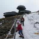 Konečně vrchol - vzhledem k tomu, co máme za sebou, patřilo dobytí Sněžky k nejlehčí části celé trasy