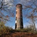 Cihlová rozhledna stojí na Dymníku od roku 1896