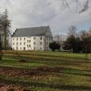 Renesanční zámek v centru Šlukova pochází z 16. století.