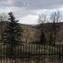 Výhled z hřebene Krušných hor k hoře Bořeň, kde jsme kdysi byli s Pavlem a Háňou