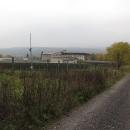 Dojeli jsme až do Branky, kde jsme před časem byli ubytovaní na zimní běžkařské výpravě. Z bývalé roty je udělaná solární elektrárna. Proč ne.