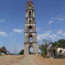 Vzpomínka na kolonialismus, strážní věž hlídající plantáže