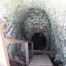 Vstup do hradního sklepení