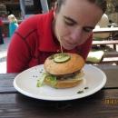 A Markéta hamburger (vzpomínáme na polské Glucholazy a pizzerii Pod věží :-)