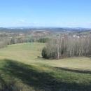 Panorama celého hřebene Orlických hor mají samoty osady Kočtina