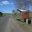 A taky zajímavou autobusovou zastávku.