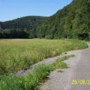 Pohodová jízda z kopce údolím Březné