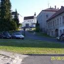V podzámčí Mírova, dnes jedné z nejznámnějších českých věznic