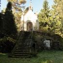 Na tomto hřbitově nedaleko Rynoltic byl prý natáčený film Rok Ďábla