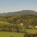 Výhled z Lemberku na Hochwald neboli Hvozd. Náš dnešní cíl...