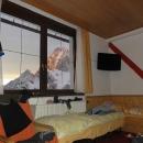 Náš pokojík a výhled z okna