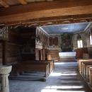 Nahlédnutí do dřevěného kostela