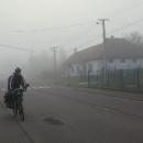 Mlha se nezvedá, teplota také ne.