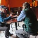 Maďarská Büfé jsou zajímavé podniky. Mají je v každé vesnici, otevřeno od šesti ráno. Uvnitř teplo a pár vesničanů tam sedí u piva a panáčků.