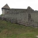 A už se soustředíme na prohlídku hradu, tedy spíš zříceniny. Některá místa byla dobetonována, což se nelíbilo zejména Luďkovi