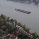 A loď s kontejnery se mezitím přiblížila :)