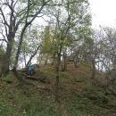 Vitány-vár je na vysokém a strmém kopci, ale přeci to nevzdáme.