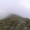 Hřeben zalitý mraky