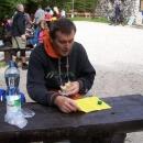 Dostali jsme text prohlídky v češtině a tak si čekání krátíme čtením, co nás čeká.