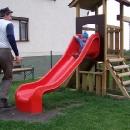 Občas musíme taky na dětské hřiště