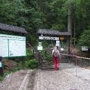 Až na vrchol na Szczelinec Wielki nepůjdeme, jen se přehoupneme přes sedýlko