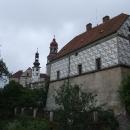 Náchodský zámek s renesanční sgrafitovou výzdobou