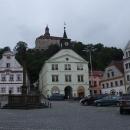 Nejznámější pohled na zámek v Náchodě, z náměstí