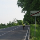 Pro špatnou dostupnost vlakem jsme do Bruntálu museli autem. Zaparkovali jsme na kraji města a vyrážíme na kole ...