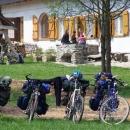 Naše kola před chatou na Rabštejně