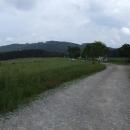 Rakouský pramen Lužnice je až tam vzadu ve svahu kopců