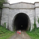 Nedaleko Slavíče se nachází tunel bývalé Severní dráhy císaře Ferdinanda.
