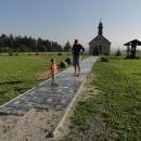 Na Červené hoře stojí nově vysvěcená kaple Cesty česko-německého porozumění.