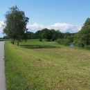 Typický obrázek cyklostezky Odra-Nisa plus modré nebe = naprostá idylka :-)