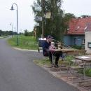 Pivo přímo na cyklostezce. Dvakrát große za 2,6 euro (!!)