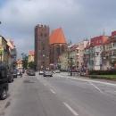 Ve Środě Slaské vede hlavní silnice centrem města - v Polsku obvyklý jev
