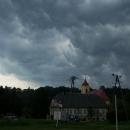 V Roztokách se na nás zase žene bouřka, my snad domů nedojedem :-(