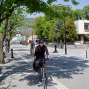 Projíždíme prázdnými městečky skoro bez turistů