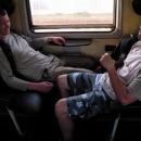 Asi třicet kilometrů si vezeme zadky po maďarské železnici