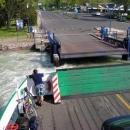 A vyrážíme trajektem na druhou část cesty kolem jezera