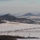 Středohorské panorama z Ostrého - Košťálov a Házmburk